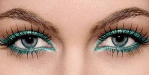Emerald-eye-shadow
