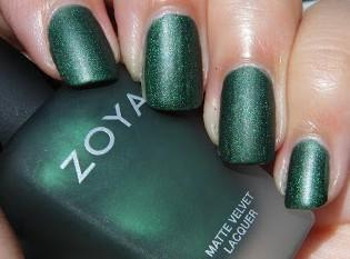 Matte-Emerald-nail-polish