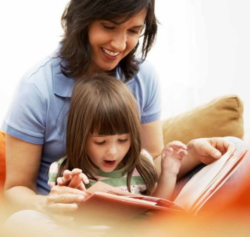 5 Lessons the Teacher Cant Give Your Kids -Mother and daughter